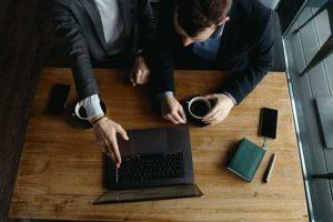 هدف کارآموزی کسب تجربه در بازار کار میباشد.